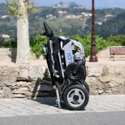 29150-mon-materiel-medical-en-pharmacie-fr-fauteuil-roulant-electrique-eloflex-l+-plie-ambiance